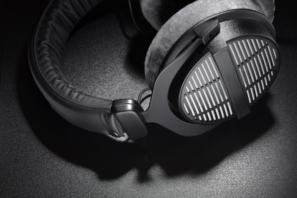 open back vs closed back headphones facts